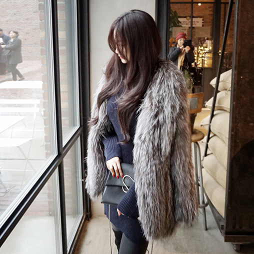 Knit Finn Silver Fox Fur Jacket